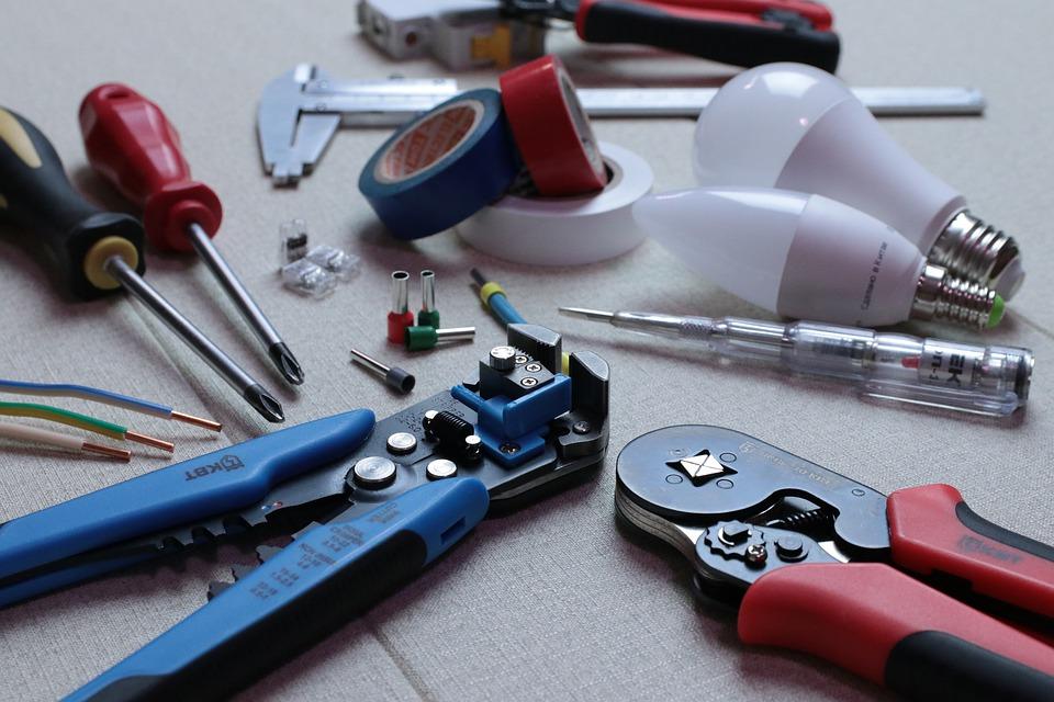 Les outils de l'électricien